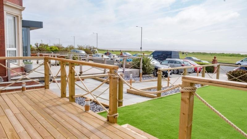 10 Seashore Suite  | Decking and Garden