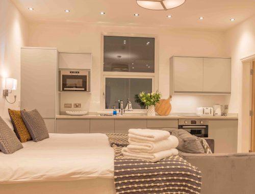 13 Hideaway Apartment-4